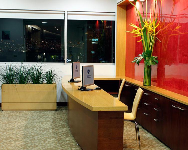Sala de Internet Hotel ESTELAR Apartamentos Medellín