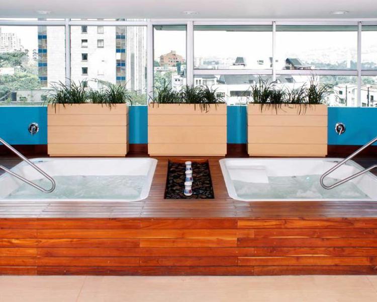 BAÑERA DE HIDROMASAJES Hotel ESTELAR Apartamentos Medellín